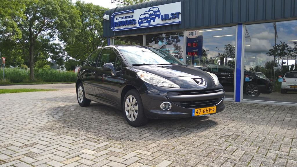 Peugeot-207-thumb